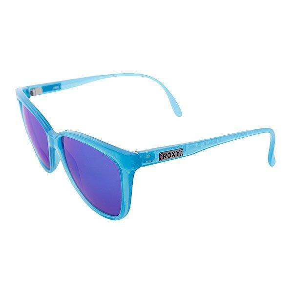 """Очки женские Roxy Jade Blue/McTurquoisСолнцезащитные очки<br>Очки  Roxy Jade из коллекции Roxy Lifestyle предлагают классический внешний вид в любимой оправе """"бабочка».Характеристики:Улучшенная оправа из пластика.100% защита от УФ-излучения. Поликарбонатные оптически правильные линзы с покрытием против царапин.Линзы разработаны  и тестированы Carl Zeiss Vision. Изготовлены в Италии.<br><br>Размер EU: One Size<br>Цвет: голубой<br>Тип: Очки<br>Возраст: Взрослый<br>Пол: Женский"""