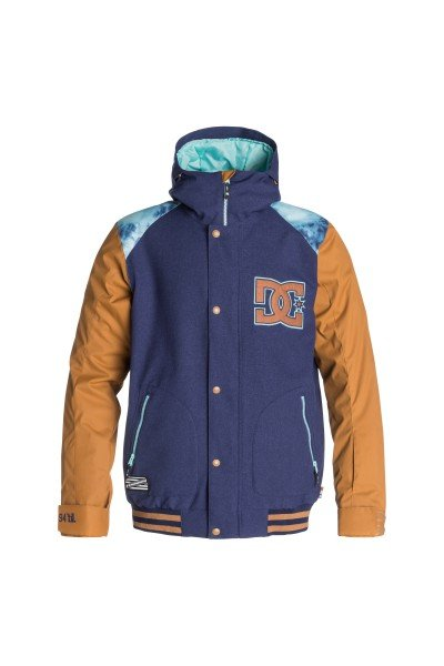 Куртка DC DCla Patriot BlueСноубординг<br>Если у Вас есть любимая куртка в стиле формы американских колледж-курток, то у Вас есть шанс обзавестись зимним вариантом, выгодно отличающимся не только утеплителем, но и влагостойкой тканью Exotex 10K. Функциональная куртка DC DCLA снабжена дополнительными манжетами из лайкры и снегозащитной юбкой, поэтому Вы наверняка сможете избежать попадания снега под одежду, а высокий ворот и регулируемый капюшон несомненно порадуют Вас в ветреную погоду и метель.  Технические характеристики: Подкладка - тафта.Водонепроницаемая мембрана Exotex 10K (10 000 мм / 10 000 г).Критические швы проклеены.Фиксированный капюшон.Капюшон с 3 вариантами регулировки.Высокий воротник стойка.Вентиляционные отверстия на молнии.Два боковых кармана на молнии.Внутренний сетчатый карман на липучке.Карман для ски-пасса.Карман для медиа.Фиксированная снежная юбка.Регулируемые манжеты на липучках.Лайкровые манжеты с отверстием для большого пальца.Застежка - молния+кнопки.Фасон - стандартный (regular fit).<br><br>Размер EU: S<br>Цвет: синий,коричневый<br>Тип: Куртка утепленная<br>Возраст: Взрослый<br>Пол: Мужской