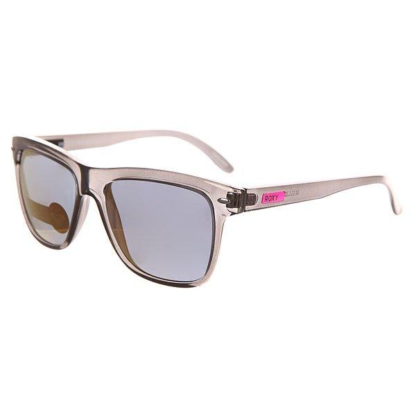 Очки женские Roxy Miller Black/PinkСолнцезащитные очки<br>Винтажный стиль в современной интерпретации в солнцезащитных очках Miller из коллекции Roxy.Технические характеристики: Материал оправы пропионат - пластик на основе нейлона, который является гипоаллергенным материалом.Прочные линзы из поликарбоната с защитой от царапин.100% защита от ультрафиолетовых лучей.Линзы Carl Zeiss Vision.Сделано в Италии.<br><br>Размер EU: One Size<br>Цвет: черный<br>Тип: Очки<br>Возраст: Взрослый<br>Пол: Женский