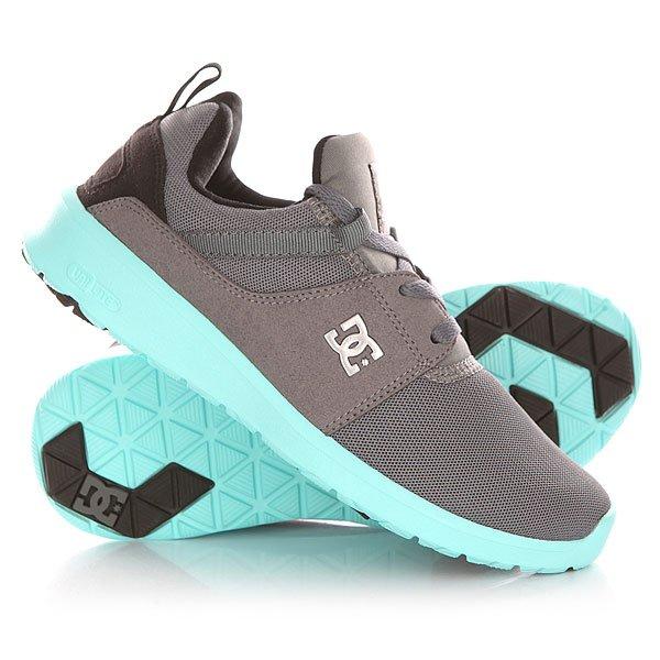 Кроссовки женские DC Heathrow Grey/Black/BlueОбувь<br>Универсальные кроссовки, в которых можно пойти на прогулку или пробежку, или даже отправиться в путешествие. Благодаря амортизирующей стельке OrthoLite, ногам будет легко и комфортно преодолевать любые расстояния.Технические характеристики: Комбинированный верх из текстиля и искусственной замши.Стеганый внутренник.Колодка с плотной посадкой.Внутренний усилитель носа для повышения структурности в переднем отделе стопы.Промежуточная подошва IMEVA UniLite для легкой поддержки и комфорта.Амортизирующая стелька OrthoLite.Рельефная подошва из каучука.Плоская шнуровка.Петля для удобства надевания.<br><br>Размер EU: 36<br>Размер US: 5<br>Размер CM: 22<br>Размер EU: 39<br>Размер US: 8<br>Размер CM: 24.5<br>Размер EU: 40<br>Размер US: 8.5<br>Размер CM: 25<br>Размер EU: 36.5<br>Размер US: 5.5<br>Размер CM: 22.5<br>Цвет: серый,голубой<br>Тип: Кроссовки<br>Возраст: Взрослый<br>Пол: Женский