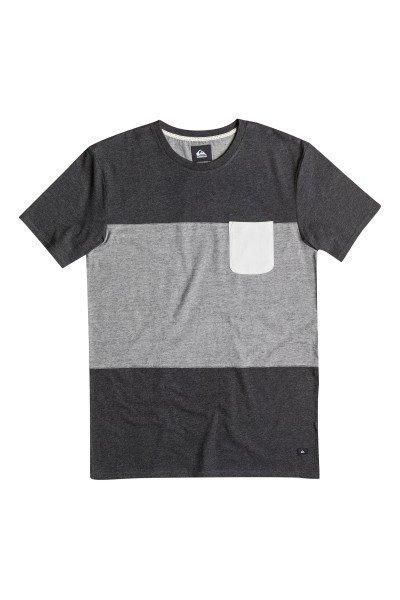 Футболка Quiksilver Capture Island Kttp Tarmac HeatherФутболки и Майки<br>Легкая спортивная футболка в спокойной цветовой гамме с нагрудным карманом от Quiksilver.Технические характеристики: Короткие рукава.Свободный крой.Двухцветный дизайн.Нагрудный карман.<br><br>Размер EU: L<br>Размер EU: XS<br>Цвет: серый<br>Тип: Футболка<br>Возраст: Взрослый<br>Пол: Мужской