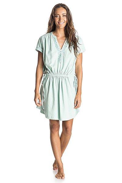 Платье женское Roxy Lucky Ktdr Harbor GrayПлатья<br>Платье Roxy выполнено из мягкого трикотажа, сочетающего хлопок и вискозу. Модель приталенного кроя. Характеристики:Круглый вырез. Короткий рукав. Вышивка. Кулиска на талии. Разрезы по бокам. Фиксированные отвороты на рукавах.<br><br>Размер EU: L<br>Размер EU: M<br>Цвет: голубой<br>Тип: Платье<br>Возраст: Взрослый<br>Пол: Женский