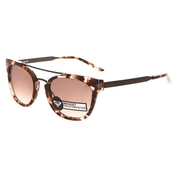 Очки женские Roxy Bridget Ator TortoiseСолнцезащитные очки<br>Стильные очки для стильных леди. Характеристики:Оправа из гриламида. Оптически корректные поликарбонатные линзы. 6-тислойное покрытие против царапин. 3 категория защиты линз от очень ярких солнечных лучей. 100% защиты от УФ-лучей (UV A, UVB). Оправа среднего размера. Мягкая защитная сумочка в комплекте.<br><br>Размер EU: One Size<br>Цвет: серый,черный<br>Тип: Очки<br>Возраст: Взрослый<br>Пол: Женский