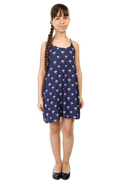 Платье детское Roxy Tropical Palm T Cvup Little Palm Tree ComОдежда<br>Платье для девочек Roxy Tropical Palm от ROXY.Характеристики:Хлопчатобумажная ткань. Тонкие бретели. Вышитое сердце ROXY на подоле. Свободный крой.<br><br>Размер EU: 10yrs<br>Размер EU: 12yrs<br>Размер EU: 14yrs<br>Размер EU: 16yrs<br>Цвет: синий<br>Тип: Платье<br>Возраст: Детский
