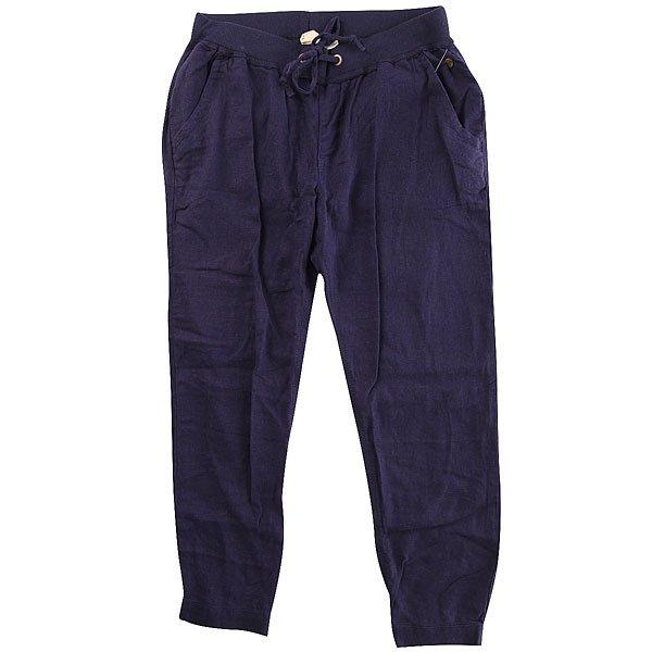 Штаны спортивные женский Roxy Silver Ndpt EclipseБрюки<br>Женские штаны для бега Silver Linings от ROXY.Технические характеристики: Штаны для бега.Тканое полотно.Эластичный пояс и манжеты.Боковые карманы.Пояс на утяжке.Металлический логотип Roxy.<br><br>Размер EU: XS<br>Цвет: синий<br>Тип: Штаны спортивные<br>Возраст: Взрослый<br>Пол: Женский