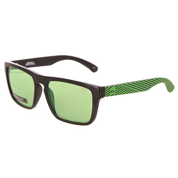 Очки детские Quiksilver Small Fry Black/Flash GreenАксессуары<br>Солнцезащитные очки в стильной оправе с ярким принтом и надежной защитой от солнечных лучей.Технические характеристики: Материал оправы Grilamid.Прочные линзы из поликарбоната.100% УФ защита от солнца.Линзы 3 категории защиты для очень солнечной погоды.Футляр в комплекте.<br><br>Размер EU: One Size<br>Цвет: черный,зеленый<br>Тип: Очки<br>Возраст: Детский