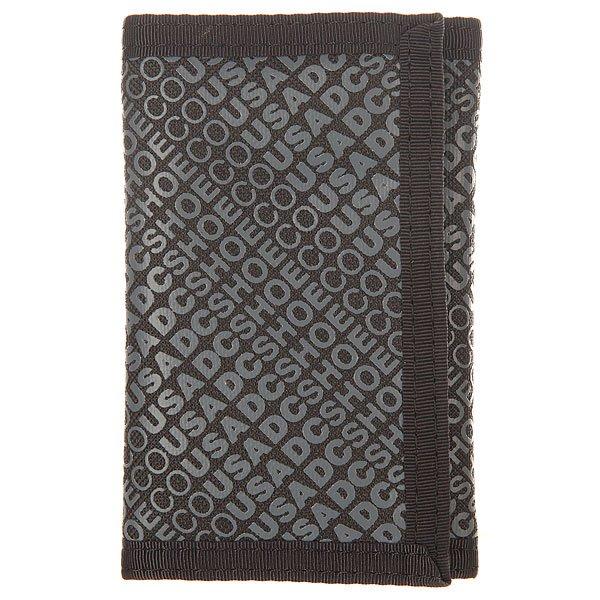 Кошелек DC Ripstop 7 BlackКошельки<br>Практичный стильный кошелек от DC. Удобный трехсекционный дизайн делает эту модель весьма компактной, но при этом вместительной, а сзади есть карман на молнии для мелочи.Характеристики:Кошелек на липучке. Три секции.Задний карман на молнии. Крепкие двойные швы.<br><br>Размер EU: One Size<br>Цвет: черный,серый<br>Тип: Кошелек<br>Возраст: Взрослый<br>Пол: Мужской
