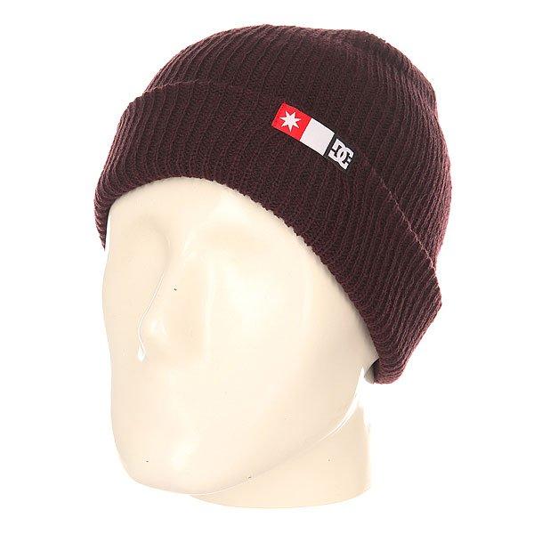 Шапка DC Shoes Core Beanie WinetastingШапки<br>Мужская вязаная шапка из акрила с удлиненной макушкой.Технические характеристики: Мелкая эластичная вязка.Слегка удлиненная макушка.Отворот с логотипом DC.<br><br>Размер EU: One Size<br>Цвет: бордовый<br>Тип: Шапка<br>Возраст: Взрослый<br>Пол: Мужской