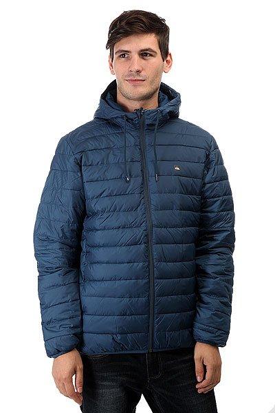 Куртка зимняя Quiksilver Everydayscaly Dark DenimКуртки и Парки<br>Стеганная легкая куртка Quiksilver Everyday Scaly симитацией пухового наполнителя, полиуретановой пропиткой для защиты от дождя и эластичными манжетами и подолом для сохранения тепла и защиты от ветра. Отлично подойдет для неприятной погоды межсезонья, успешно впишется в любой гардероб.Характеристики:Стеганный дизайн с имитацией пухового наполнителя. Полиуретановая пропитка. Застегивается на молнию по всей длине. Карманы для рук на молнии. Эластичные манжеты и подол.Фирменный логотип Quiksilver. Состав: 100% полиэстер.<br><br>Размер EU: S<br>Размер EU: M<br>Размер EU: L<br>Размер EU: XL<br>Размер EU: XXL<br>Цвет: синий<br>Тип: Куртка зимняя<br>Возраст: Взрослый<br>Пол: Мужской