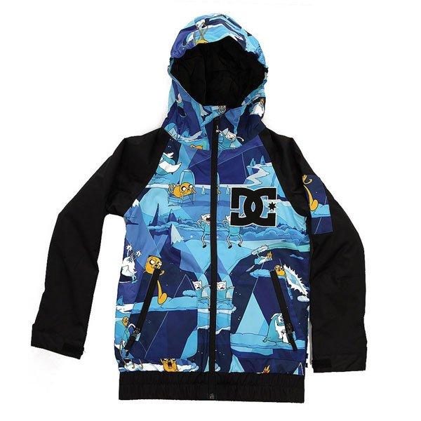 Куртка детская DC Troop Adventure TimeОдежда<br>Яркая сноубордическая куртка с мембраной EXOTEX 10 и утеплителем, чтобы мороз, ветер или влага не мешали начинающему райдеру покорять склоны.Технические характеристики: Мембрана EXOTEX 10.Теплая и уютная подкладка из тафты.Утеплитель (тело 120 г, рукава 80 г).Критические швы проклеены.Вставки из сетки для воздухообмена.Фиксированная снежная юбка на кнопках.Система пристегивания куртки к штанам.Удобные внутренние манжеты из лайкры.Манжеты с регулировкой на липучках.Эргономичные рукава.Карманы с утепленной подкладкой.Кармашек на молнии на рукаве.Внутренний карман на липучке Velcro.Внутренний сеточный карман.Эластичная отделка капюшона и подола.<br><br>Размер EU: 10yrs<br>Размер EU: 8yrs<br>Размер EU: 14yrs<br>Размер EU: 12yrs<br>Размер EU: 16yrs<br>Цвет: синий,черный<br>Тип: Куртка утепленная<br>Возраст: Детский