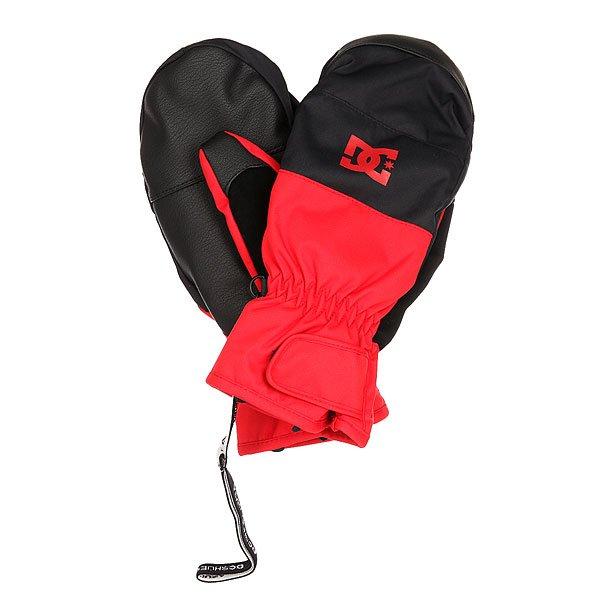 Варежки сноубордические DC Seger Racing RedПерчатки<br>Под ярким дизайном этих перчаток скрывается отличный функционал. Мембрана Exotex 10K в сочетании с утеплителем 150 г гарантированно убережет Вас от холода и влаги в любую погоду, а специальная вставка на указательном пальце даст возможность управлять сенсорным экраном прямо в перчатках. Характеристики:Водостойкая и дышащая мембранная ткань Exotex 10K. Утеплитель 150 г. Подкладка из трикотажа с начесом. Классический крой. Регулируемые манжеты на липучке. Вставка на указательном пальце для управления сенсорными экранами. Ладонь из искусственной кожи. Замшевая вставка на большом пальце для протирания линзы маски. Регулируемый ремешок.<br><br>Размер EU: M<br>Размер EU: S<br>Размер EU: L<br>Размер EU: XL<br>Цвет: красный,черный<br>Тип: Варежки сноубордические<br>Возраст: Взрослый<br>Пол: Мужской