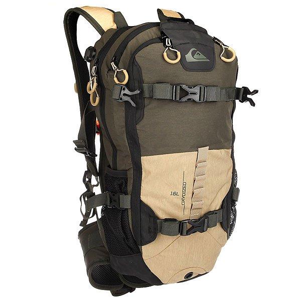 Рюкзак туристический Quiksilver Oxydized Tailor Forest NightПерчатки<br>Функциональный рюкзак Oxydized для активного отдыха со специальными креплениями для лыж и сноуборда. В рюкзаке имеются несколько карманов для необходимых вещей на склоне.Технические характеристики: Передний карман для крепления щупа и лопатки с быстрым доступом.Карман для одной или двух масок на флисовой подкладке.Компактная петельная система крепления лыж.Система горизонтального и вертикального крепления сноуборда.Подходит для использования с системой гидрации.Съемный ремень на уровне пояса.Формованные заплечные лямки.Регулируемая горизонтальная лямка для оптимального распределения нагрузки.Сигнальный свисток.<br><br>Размер EU: 15 л.<br>Цвет: черный,бежевый,зеленый<br>Тип: Рюкзак туристический<br>Возраст: Взрослый<br>Пол: Мужской