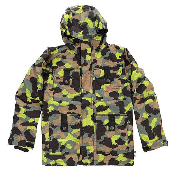 Куртка детская DC Servo Camouflage Lodge YouОдежда<br>Продуманная до мелочей сноубордическая куртка DC Servo обеспечитВашему ребёнку максимальный комфорт при катании в любую погоду. Технологичный материал Exotex 10K надежно защитит от промокания, а подкладка из тафты в сочетании с утеплителем 200 г добавят тепла, мягкости и уюта. Характеристики:Влагостойкая ткань Exotex 10K (10 000 мм. / 10 000 г.). Утеплитель 120 г тело и 80 г рукава.Классический крой. Проклеенные критические швы. Подкладка из тафты.Сетчатые карманы для вентиляции. Снегозащитная юбка. Эластичная манжета капюшона. Внутренние манжеты из лайкры. Регулируемые манжеты на липучке. Карман на молнии на рукаве для ски-пасса. Нагрудные карманы на кнопках.Передние карманы на кнопках сверху и на молнии сбоку. Перекрестные швы на спине. Внутренний сетчатый карман. Медиа-карман.<br><br>Размер EU: 16yrs<br>Цвет: черный,зеленый,коричневый<br>Тип: Куртка утепленная<br>Возраст: Детский