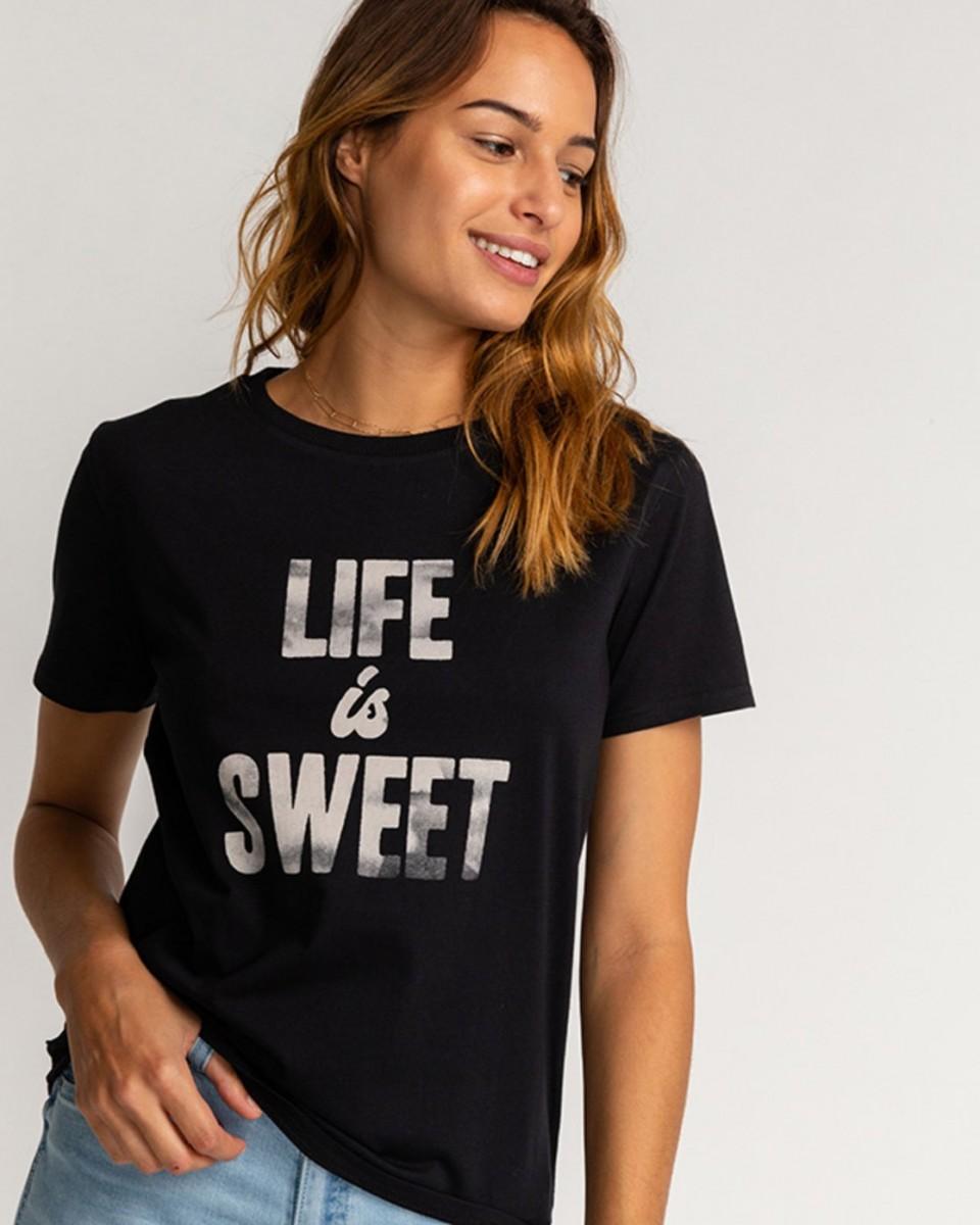 Женская футболка Life Is Sweet