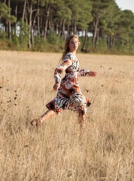 Оранжевый женское платье с длинным рукавом about you now