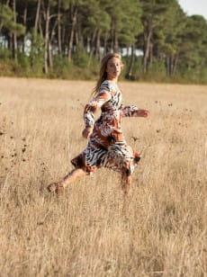Бежевый женское платье с длинным рукавом about you now