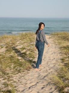 Синий женский лонгслив feel sand